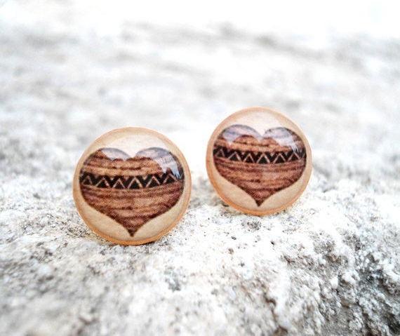 Vintage Retro heart earrings studs posts in Beige Brown, Anatomical Jewelry