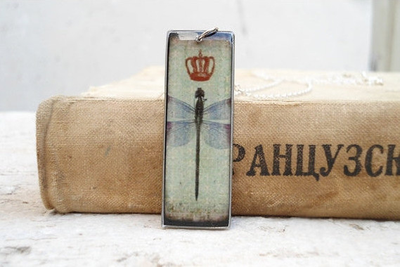 Dragonfly Necklace Pendant in Retro Style, Crown, Green, Long Pendant, Sweet Gift